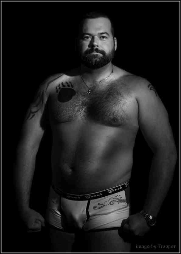 Hombre (talla grande XXL) para Modelar ropa interior en catálogo y pasarela , Medellín , Hombre busca Hombre