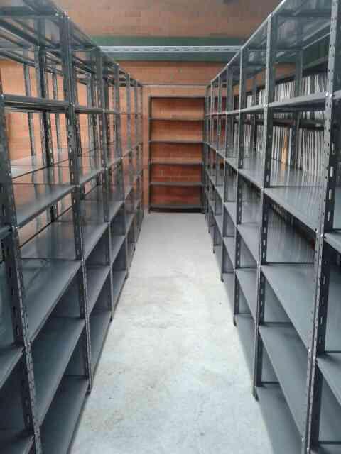 estanteria metalica para uso liviano en COLOMBIA