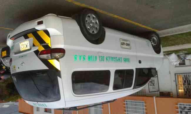 se alquila microbus para 12 pasajeros