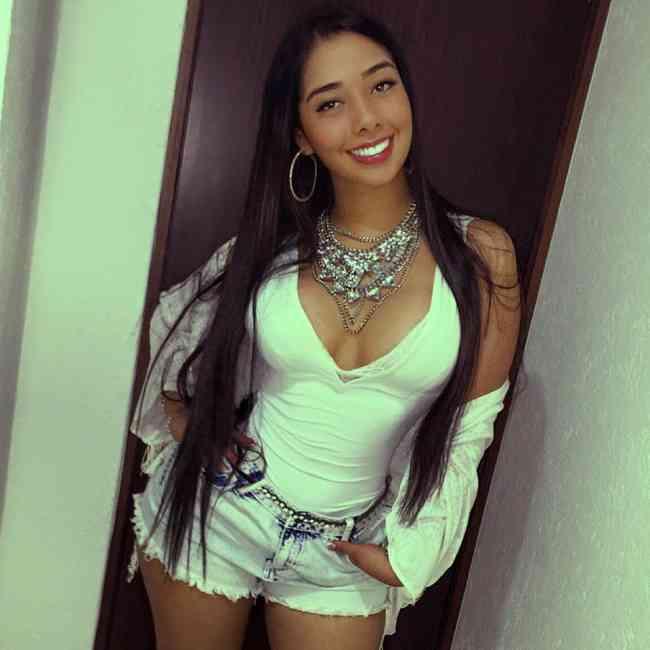 Coqueta y Complaciente Chica WebCam