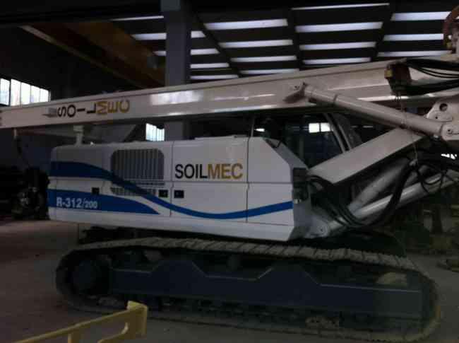 Piloteadora SOILMEC R 312/200