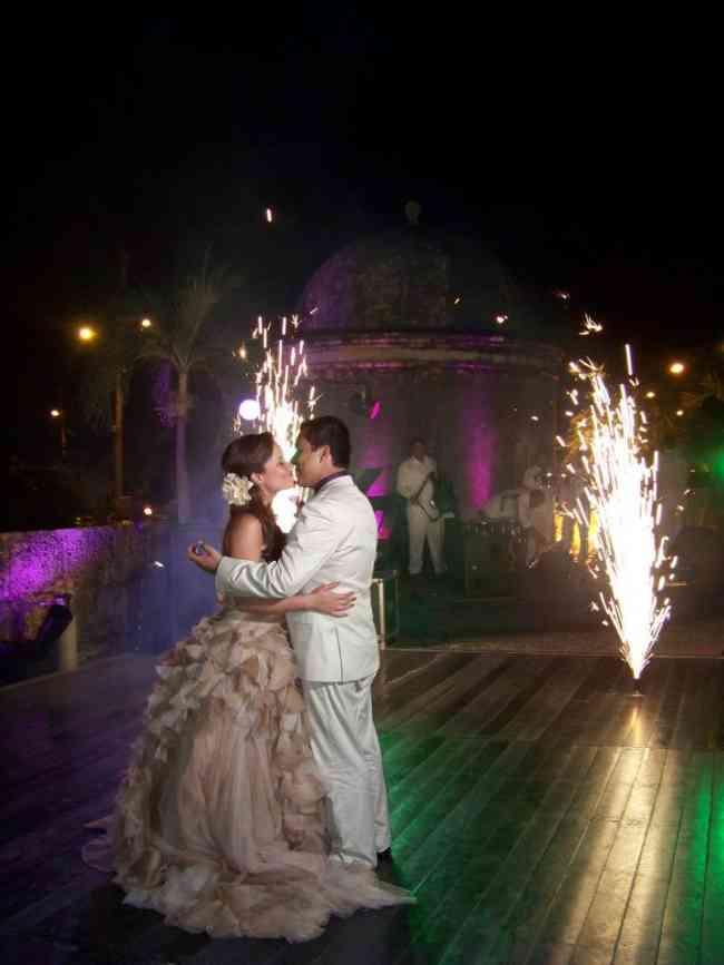servicio de ventury y volcanes de pólvora fría para bodas y eventos en cartagena