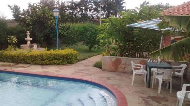 Alquilo cabaña mesa de los santos con piscina