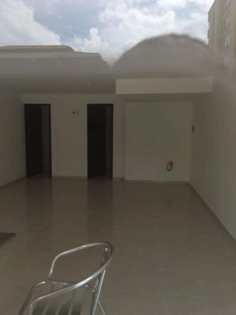 ARRIENDO LOCAL EN EL DIAMANTE II. CONTACTARSE.