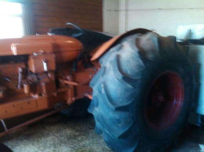 Excelente Tractor Nulfiel 1060 Reparado Pintado