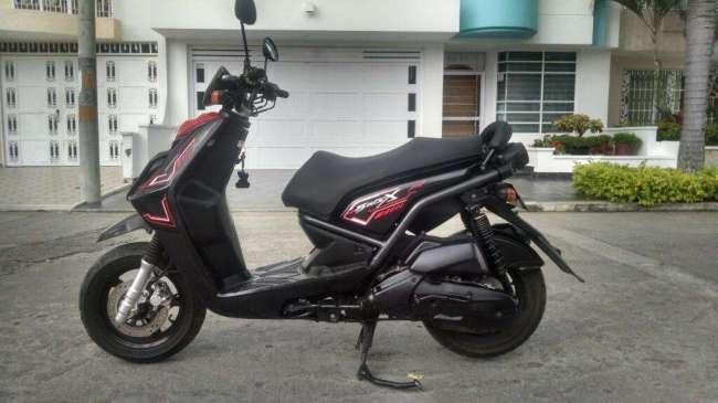 Excelente Yamaha Bws 2012.