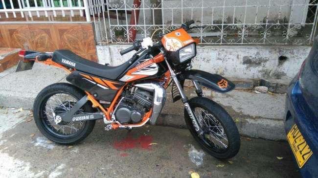 Excelente Yamaha Dt 125