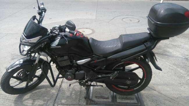 Excelente Cbf 150 Negra