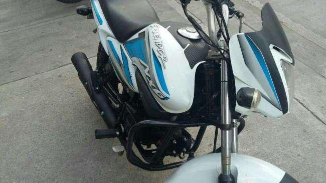 Excelente Motocicleta Honda