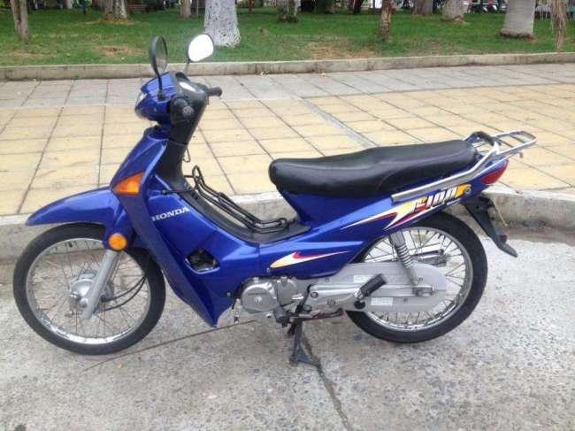 Excelente Honda Wave C100