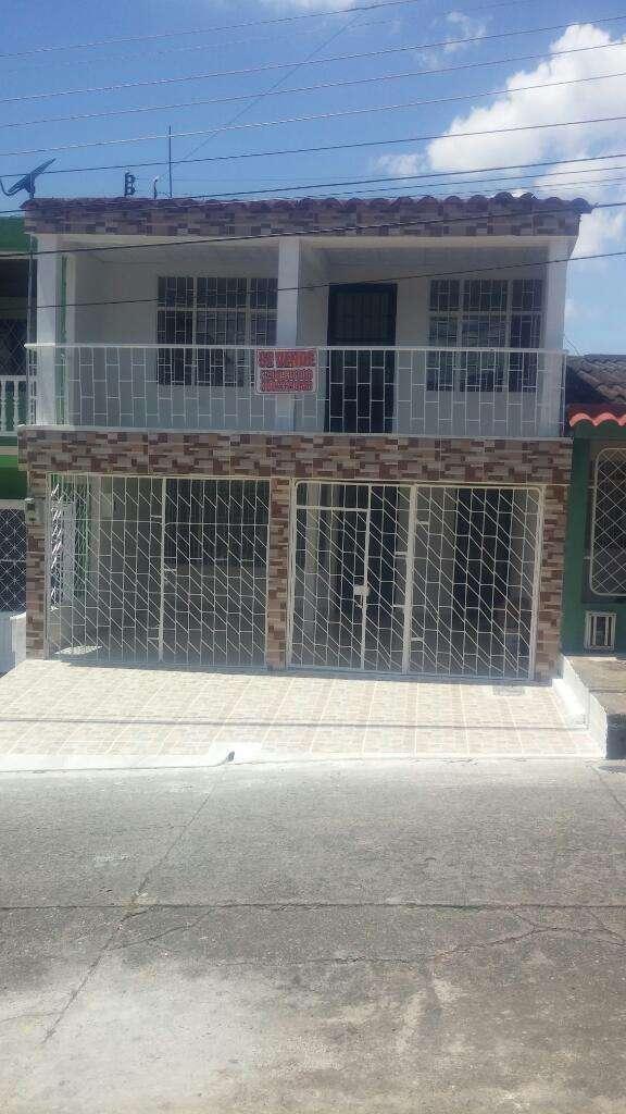 Vendo Casa de 216 Mts Cuadrados, 2 Aptos Independientes