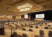 Organizador de eventos cumbre en traducción.