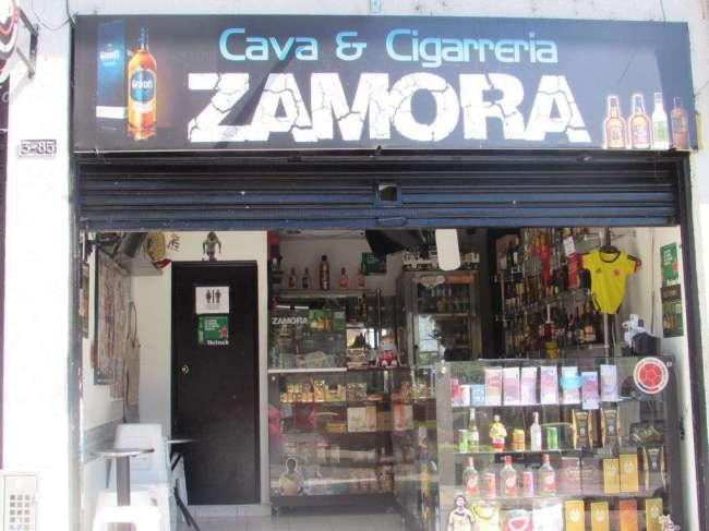 Cava Y Cigarreria Arrendada con Todo El Montaje, Contactarse.