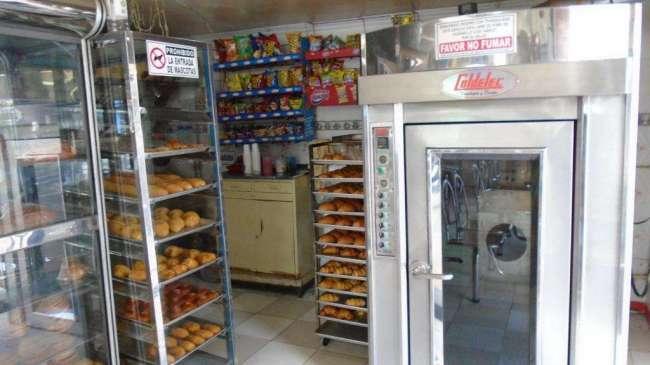 VENDO PANADERIA CAFETERIA FULL EZQUINERA