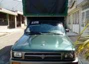 Linda camioneta estacas ,hilux,