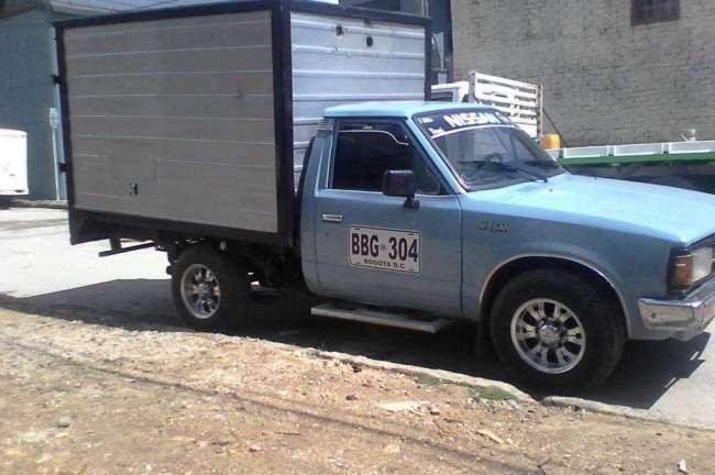 Linda camioneta de furgon