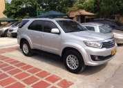 Toyota fortuner sr5 4x2 gasolina 2013.