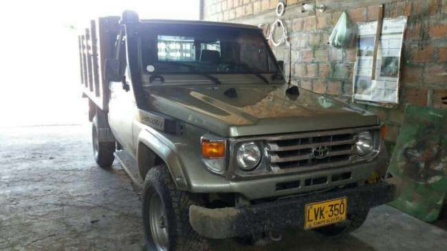 Excelente Toyota Land Cruiser