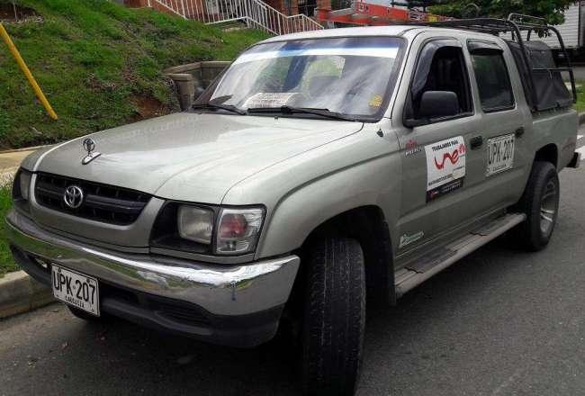Excelente Toyota Hilux EW 4x2