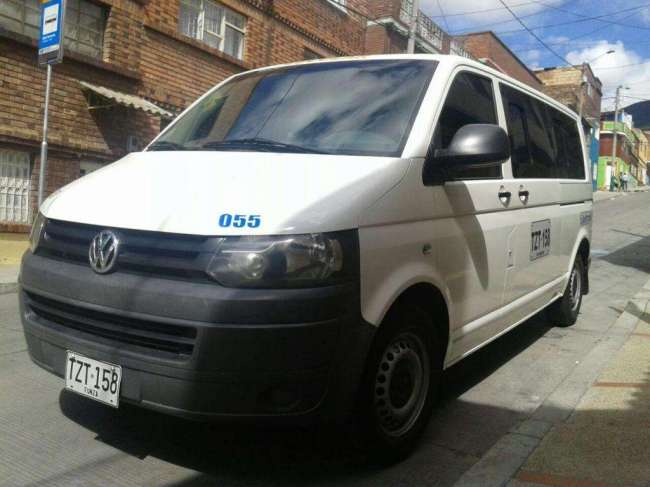 Excelente Volkswagen Transporter T5