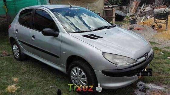 Hermoso peugeot 206 modelo 2000