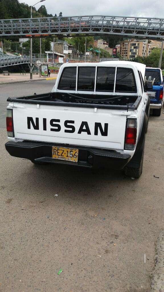 Linda Camioneta Nissan Fontir