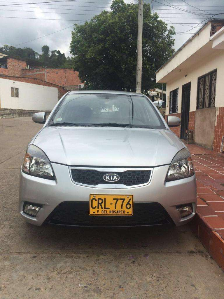 New Rio Ex 1.6 Hatchback Full Equipo Modelo 2012, Contactarse.