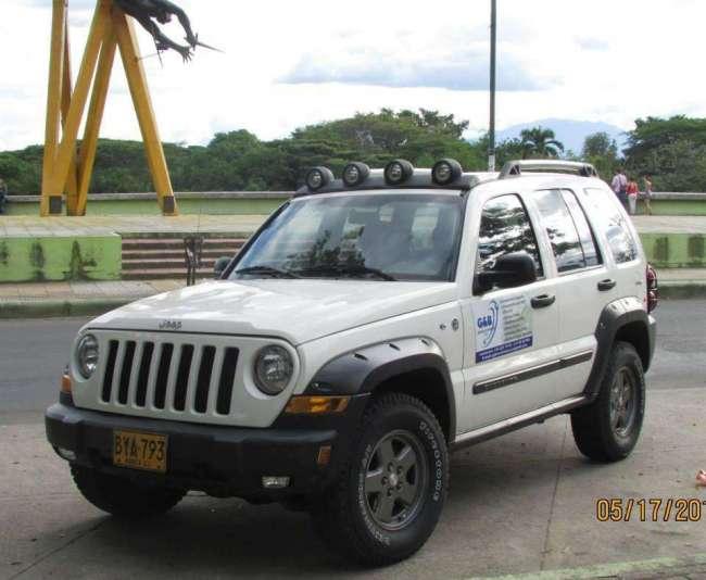 Excelente jeep cherokee