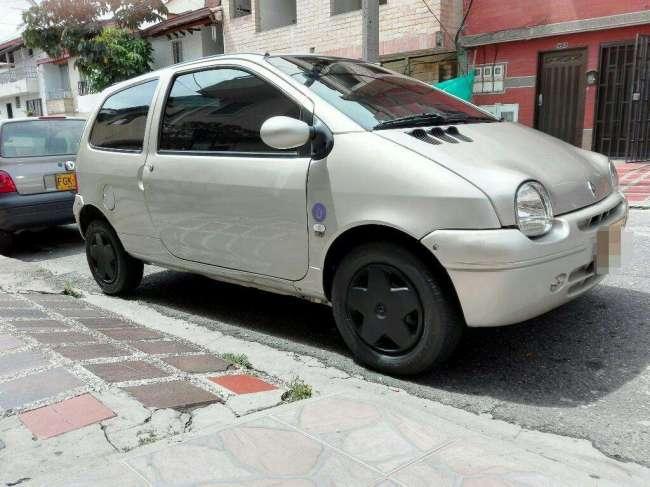 Renault Twingo, Contactarse.