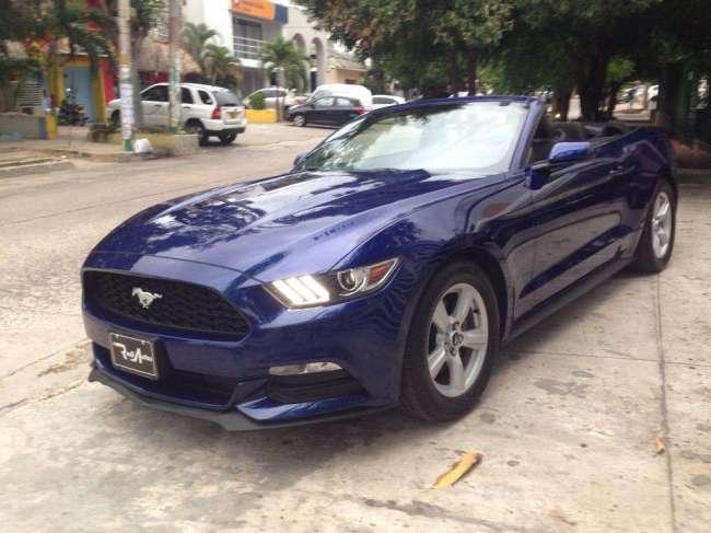 Excelente Ford Mustang Convertible Modelo 2016