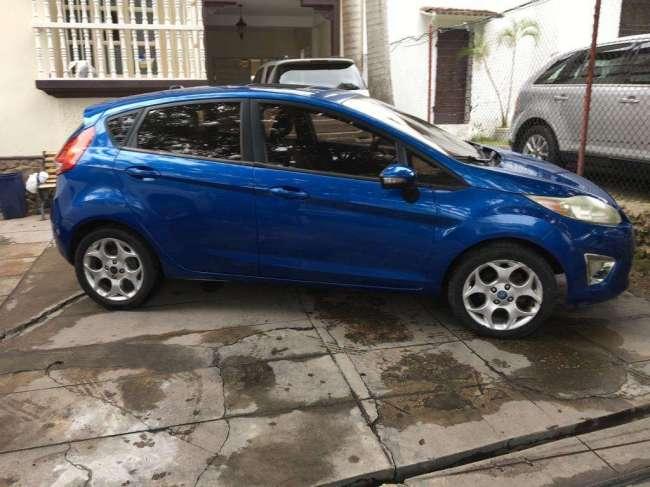 Excelente Auto53 Ford Fiesta Hb 2011