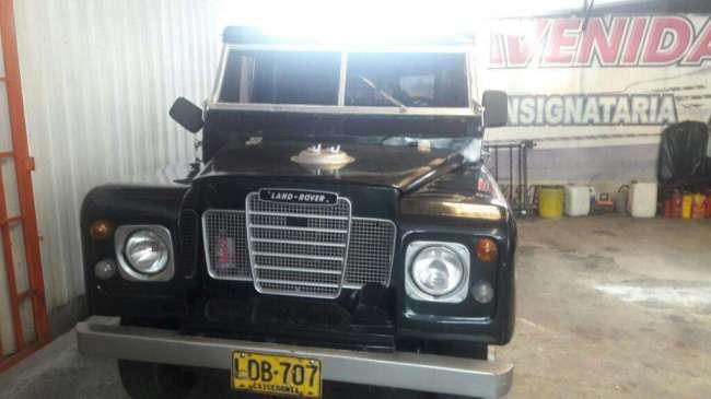 Excelente Land Rover 68
