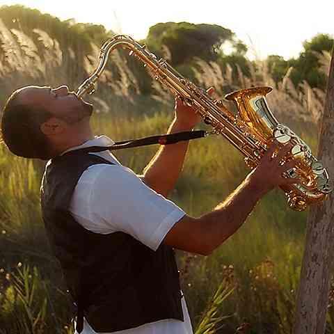 Saxofonista profesional eventos en Bogotá