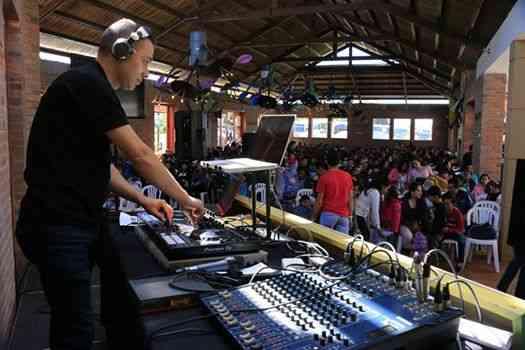 MUSICA, SONIDO, LUCES Y DJ PARA FIESTAS Y EVENTOS BOGOTA - BODAS, 15 AÑOS Y EMPRESAS