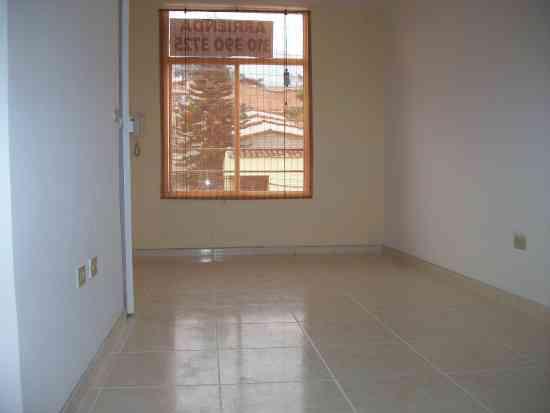 Arriendo apartamento 3° piso, 3 alc,4 closet, 2 baños,  $800.000 en las cabañitas, Bello, Antioqu