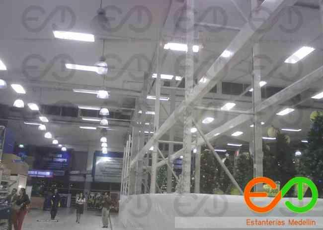 estanteria metálica pesada industrial en medellin colombia