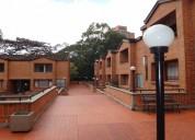 ¡calidad de vida en esta hermosa casa en el poblado!
