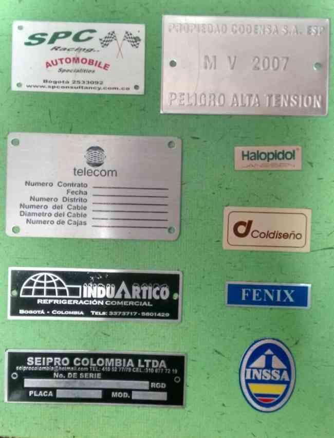 Pines Escarapelas Cintas Portacarnets Manillas Marquillas Publicidad en general