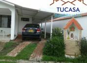 Se vende casa finca en chinauta, excelente estado, 4 habitaciones, 3 baÑos, piscina privada.