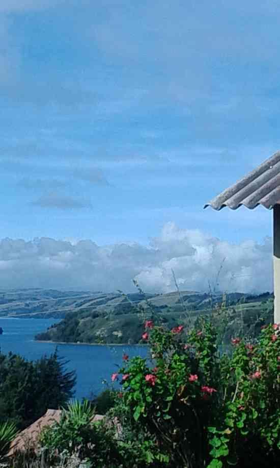 hospedaje rural en el lago de tota aquitania. en cabañat