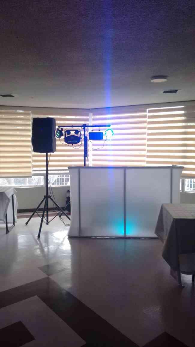 dj animador sonido e iluminacion para todo tipo de evento