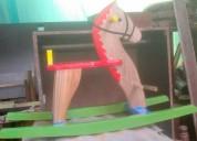 caballos de madera artesanales