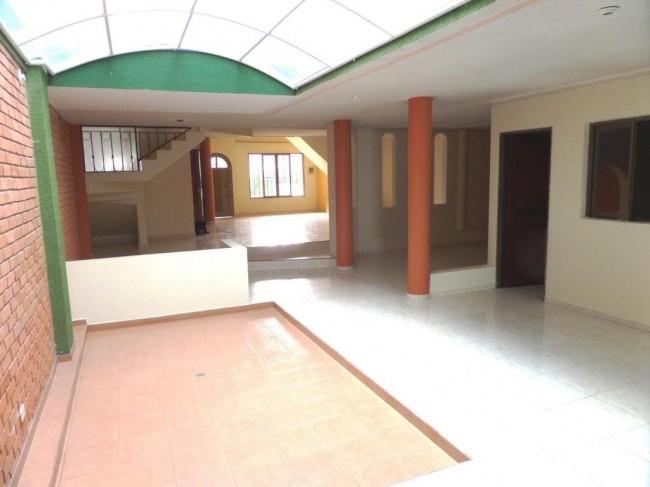 Arriendo Casa Amplia en La Ximena.
