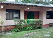 Arrienda excelente casa  con 3 dormitorios