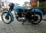 Hermosa moto clÁsica moto triumph bonneville 650