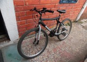 Vendo bicicleta tipo todo terreno  color negra