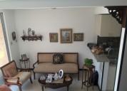 Linda casa de dos pisos condominio  alfaguara