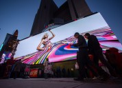 Publicidad exterior en pantallas gigantes de leds