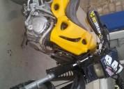 Moto enduro cc 250 color amarillo