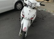 Vendo moto victory one color blanco